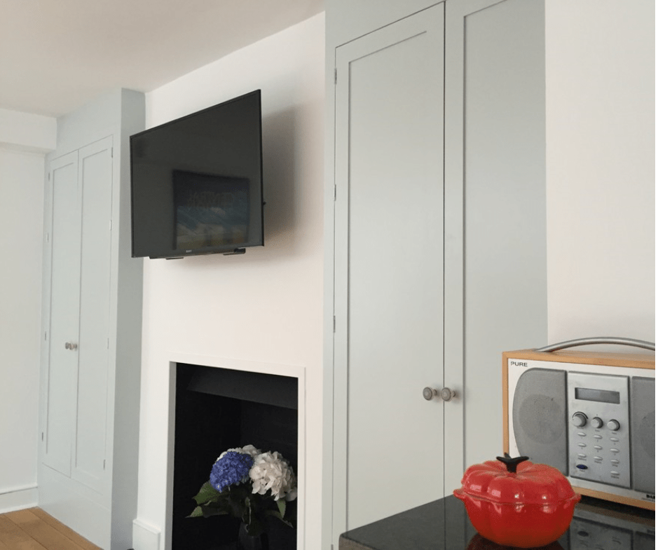 Design Penguin - Interior Design - Family room with pepper
